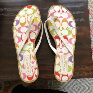 New never worn women's coach flip flops sz 7